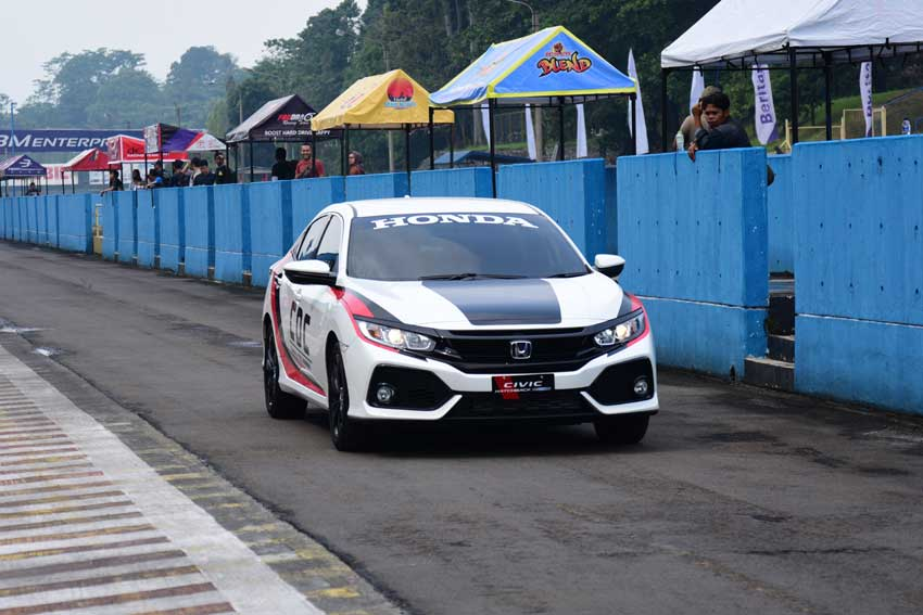 HONDA CIVIC HATCHBACK TURBO TAMPIL SEBAGAI OFFICIAL CAR INDOSPEED RACE SERIES (IRS) 2018 DI SIRKUIT INTERNASIONAL SENTUL