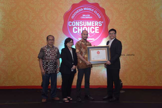 Empat Mobil Honda Raih Indonesia Middle-Class Brand Champion Consumer's Choice 2015